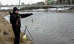 С поплавком зимой на малых реках. Часть 1